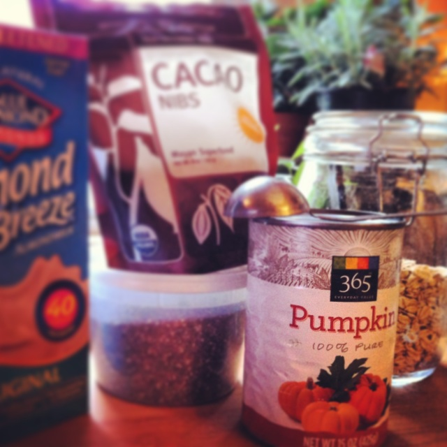 "[Leaf Parade. Det goda livet: ""Lagom"" overnight oats with chia, pumpkin, and cacao nibs {gluten-free}.]"
